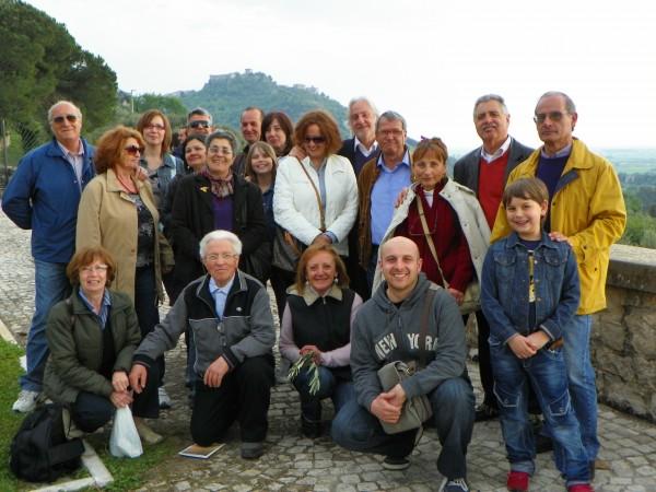 Gruppo gita a ninfa 17-4-2011